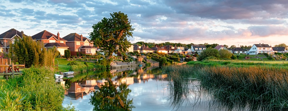 Harker and Bullman Lettings Home Page Image of River Stour and Houses at Merley